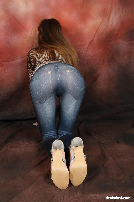 Skin tight leggings porn