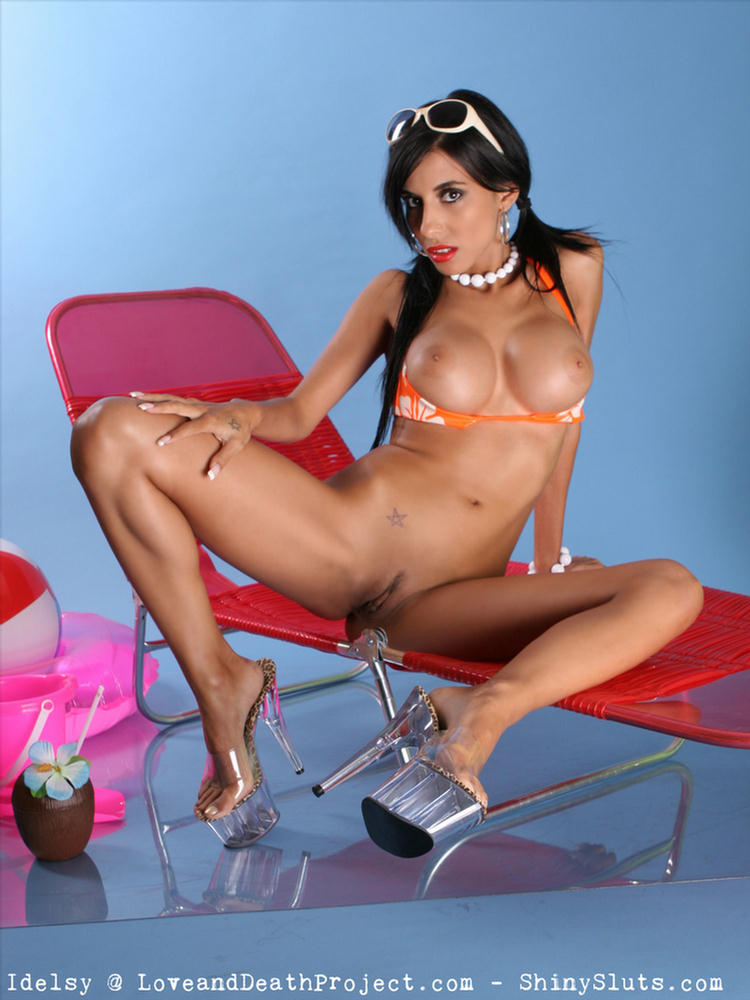 I have a fun new toy i want to try with you 9